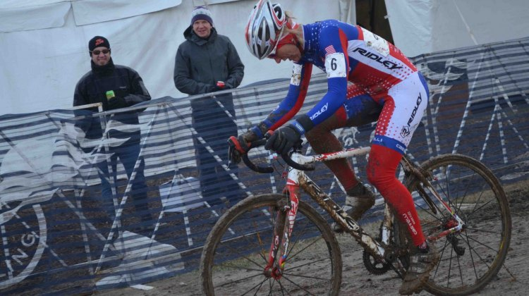 Sue Butler's back may have hurt but she was still producing watts that dropped all of her competitors in the 40-44 field at Masters Worlds. © Cyclocross Magazine
