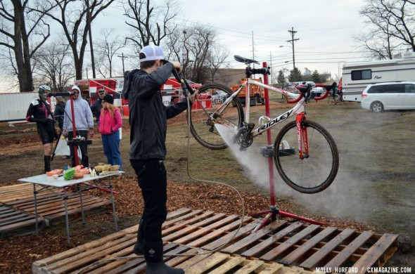 The WD40Bike team hard at work at Masters Worlds. © Cyclocross Magazine