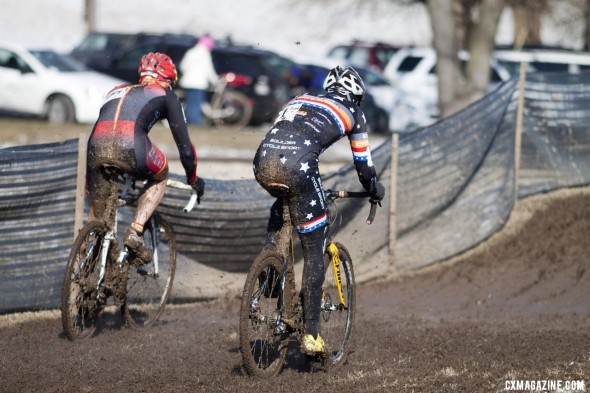 Pete Webber and Marco Pietro of Spain were locked in a battle for the Masters 40-44 title, then suffered broken derailleur hangers. © Cyclocross Magazine
