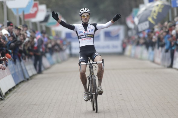 Niels Albert winning in Lille (file photo). © Bart Hazen