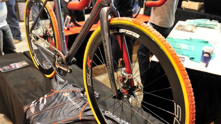 A look at Predator's carbon drive, disc-equipped cyclocross bike. © Jesse Pisel