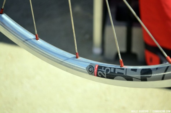 The rims are tubeless-ready, and the 19mm inner rim measurement was designed with cyclocross in mind. © Cyclocross Magazine