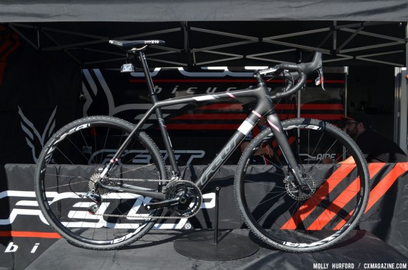 The Felt F2X model for 2014 comes with SRAM Red 22 and hydraulic brakes. © Cyclocross Magazine