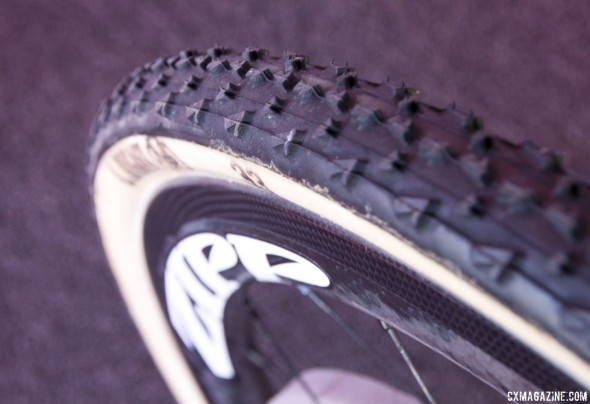 The Zipp 303 Firecrest disc brake wheelset does not have sanded brake tracks, negating rim brake use. © Cyclocross Magazine