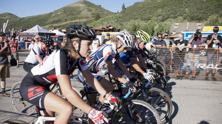 The Elite Women ready to battle for the holeshot and a $1500 first place prize. © Cyclocross Magazine
