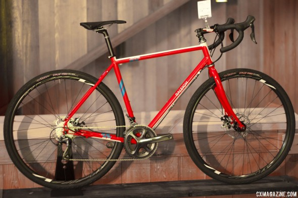 Raleigh's Tamland 2 gravel bike with disc brakes. © Cyclocross Magazine