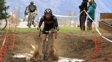 Alex Revell enjoys the mud pit in today's National Championship race in Wanaka. © Amy Taylor