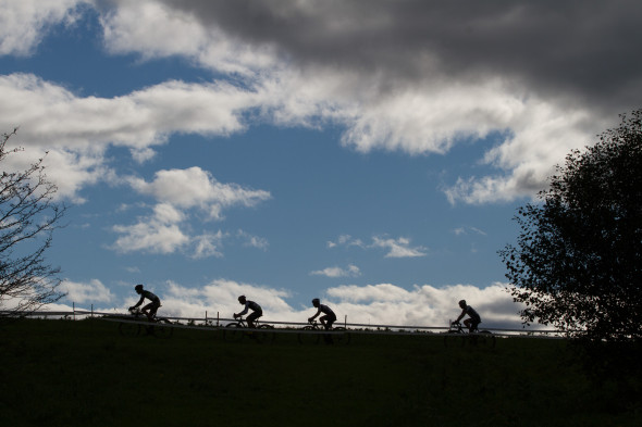 Elite men hit the course. © Todd Prekaski