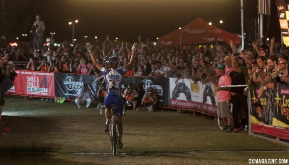 Katerina Nash wins Cross Vegas again, to the delight of the bike industry fans. © Cyclocross Magazine