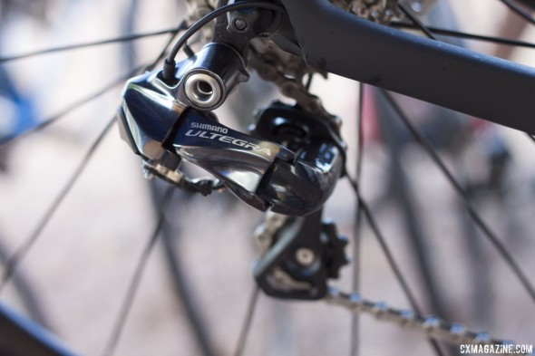 Ultegra 6870 Di2 gets a polished, sleeker look compared to first-gen Ultegra Di2. © Cyclocross Magazine