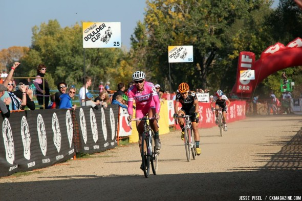 Miller leads Anthony at the Boulder Cup. © Jesse Pisel