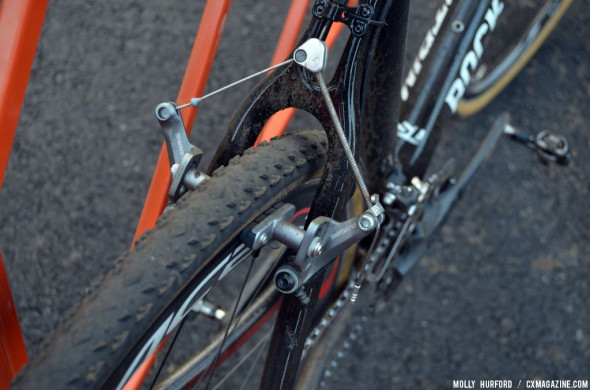Shiimano CX70 cantilever brakes and well-worn Challenge Fango tubulars handle traction and slowing. © Cyclocross Magazine