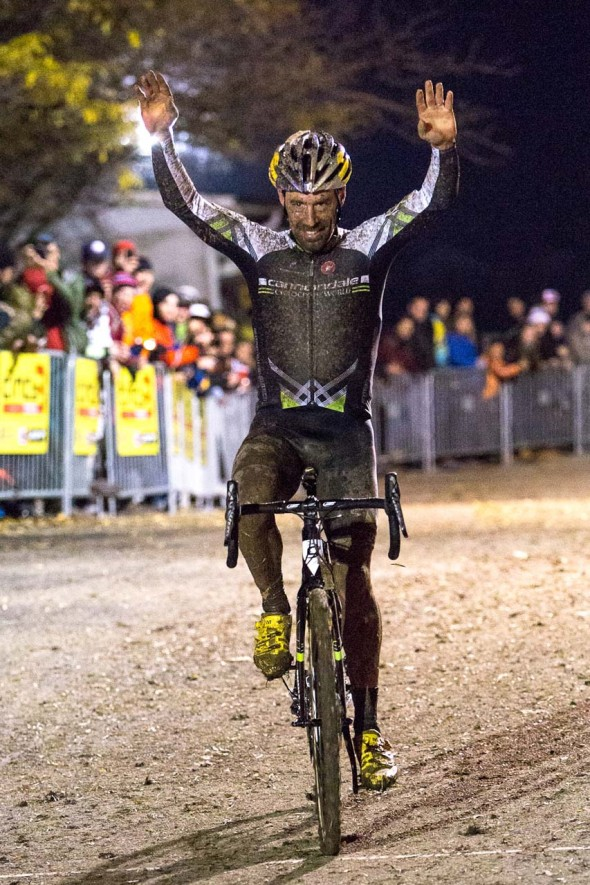 Tim Johnson crossing the line for the win at Cincy3 CX. ©