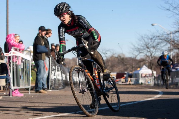 Chloe Dygert on the finishing stretch. © Kent Baumgardt