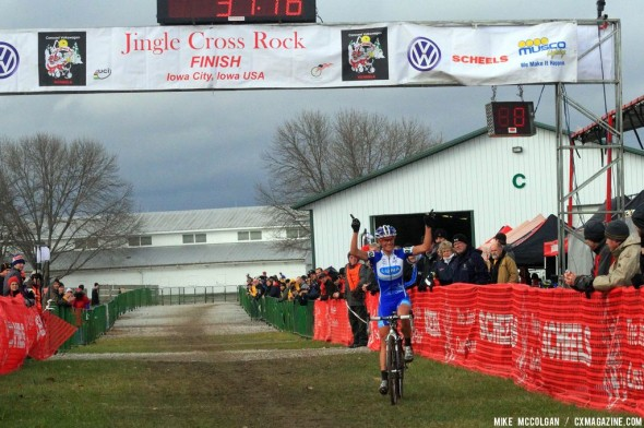 Nash coming in for the win on the last day of Jingle Cross Rock 2013. © Mike McColgan