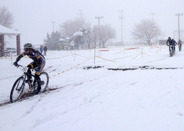 Racing in serious snow conditions in Utah. © Lynda Walenfels