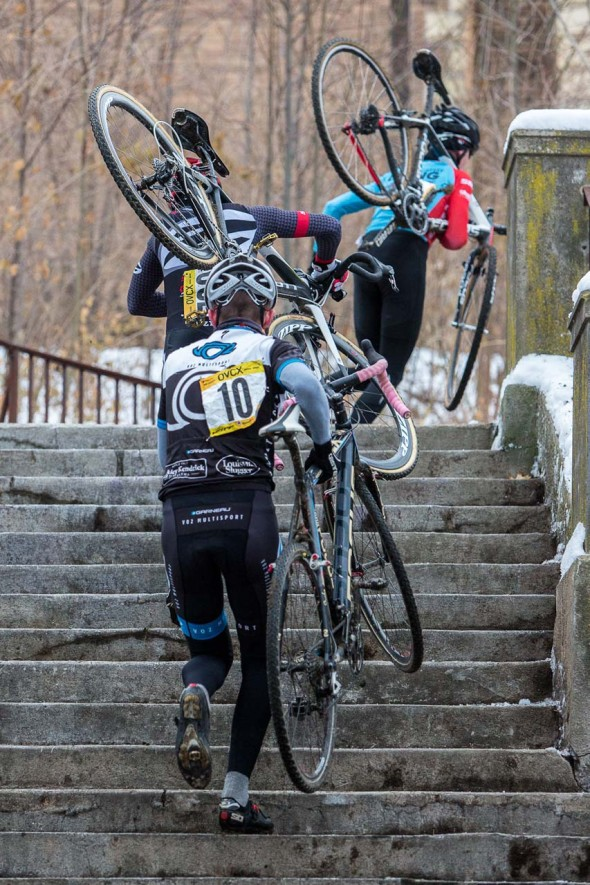 Men's Elite riders tackle the steps. © Kent Baumgardt