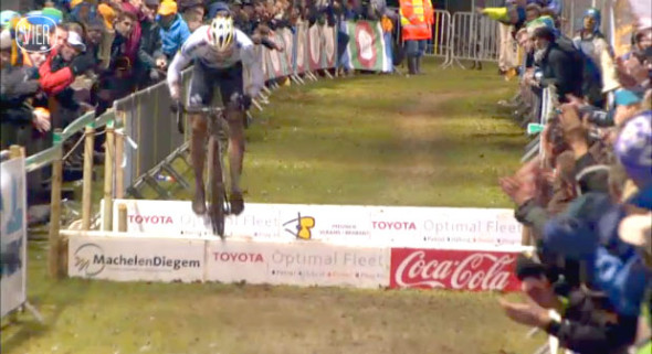 Sven Nys hopping and in control at the 2013 Superprestige race in Diegem.
