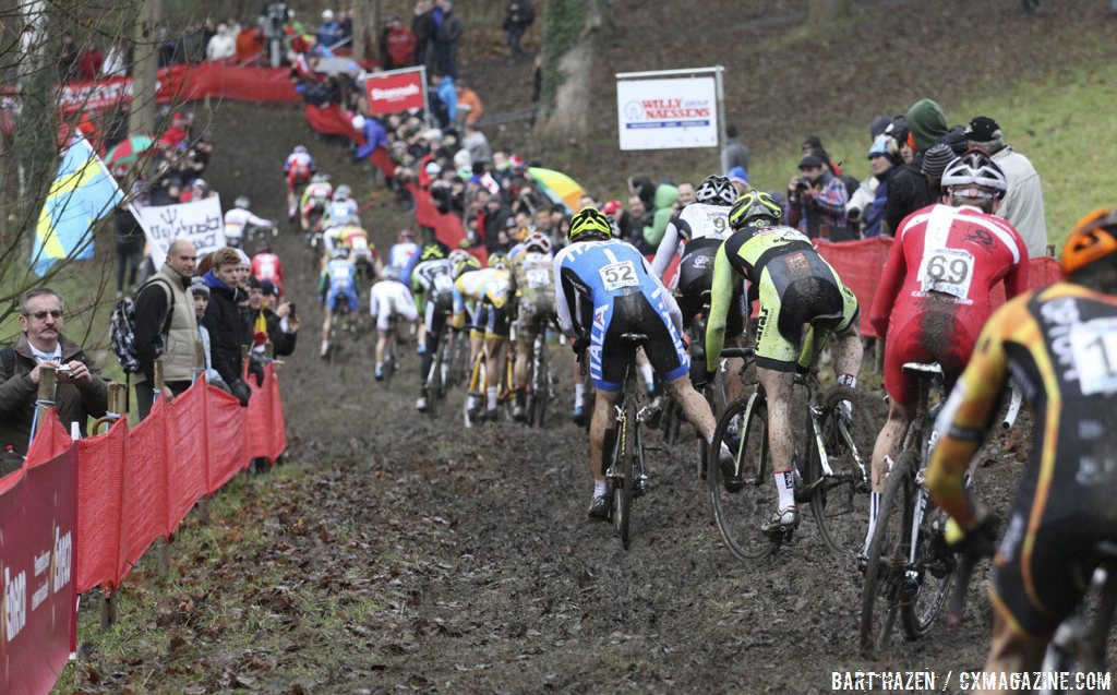 It was a slippery, treacherous day at the 2013 World Cup in Namur. © Cyclocross Magazine