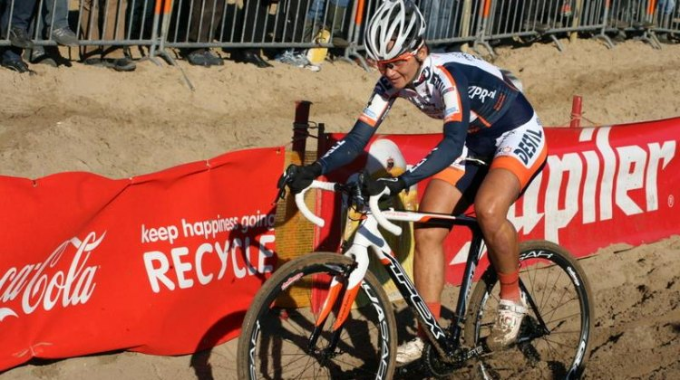 Reza Hormes Ravenstijn on her way to top 10 in Koksijde World Cup. © Robert Goedgezelschap