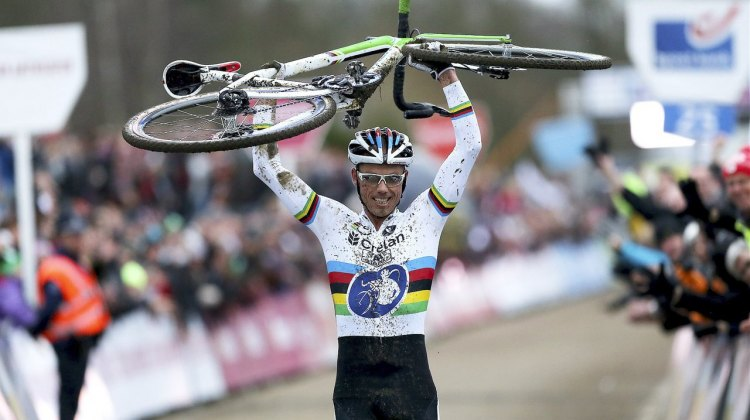 Sven Nys wins and salutes his bike for the second race in a row. © photopress.be