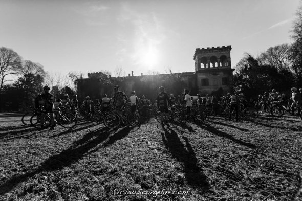 Riding SingleSpeed Cyclocross in Italy. © Claudio Angelini