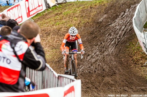 Vos powering away at UCI Cyclocross World Championships 2014 Elite Women. © Thomas van Bracht