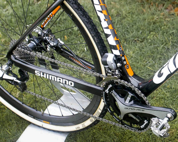 Dura-Ace 9070 paired with Shimano R785 levers, Q-Rings, and modified M980 XTR Pedals