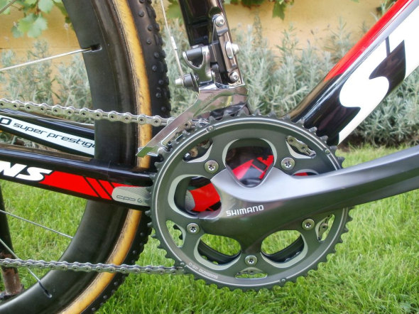 170mm Shimano CX70 crankset and top-pull derailleur keep Vardaros' rolling through the Belgian mud.