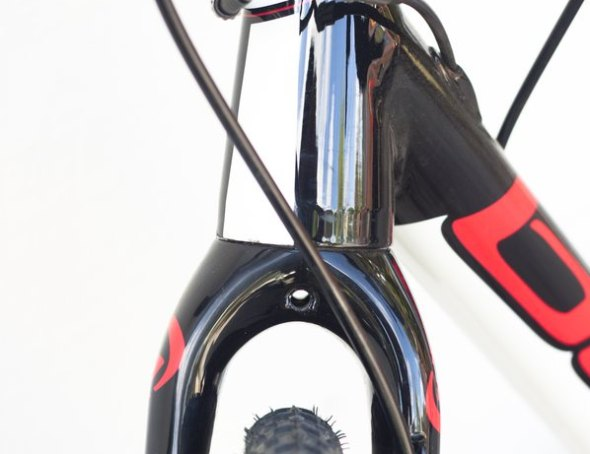 The 2015 Blue Norcross AL's fork offers tremendous clearance and a drilling to accept fenders. © Cyclocross Magazine