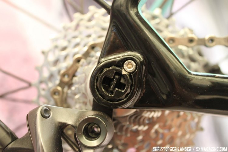 The RAT thru-axle by FOCUS was an award winner at Eurobike, and an interesting alternative. © Christopher Langer