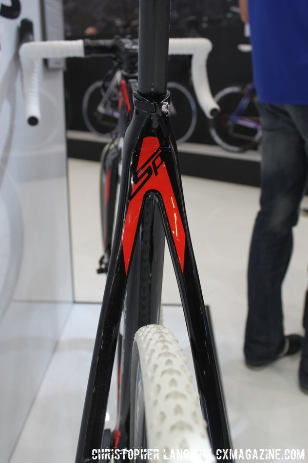 The bridgeless rear end of Stevens's Super Prestige Disc; 8.1 kg with Di2 and spec wheels. © Christopher Langer