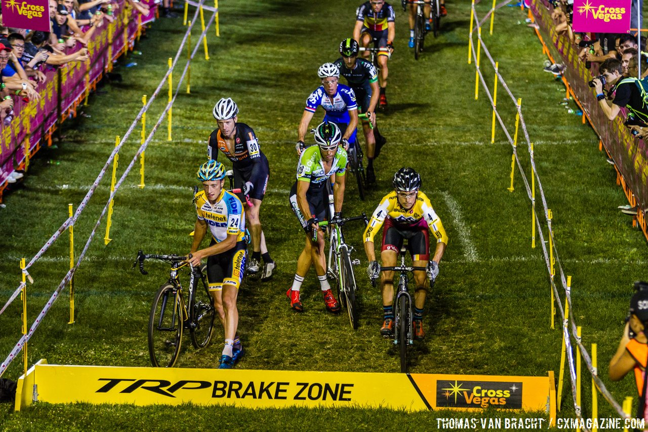 allen-krughoff-hopped-barriers-and-leaped-expectations-for-noosa-at-the-2014-crossvegas-thomas-van-bracht-peloton-photos