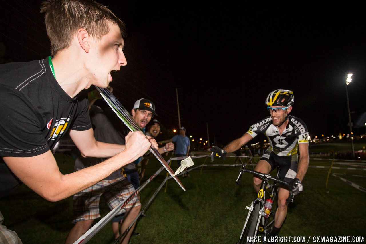 dollar-hand-ups-keep-it-clean-and-the-fun-optional-cross-vegas-2014-mikealbrightcom-cyclocross-magazine