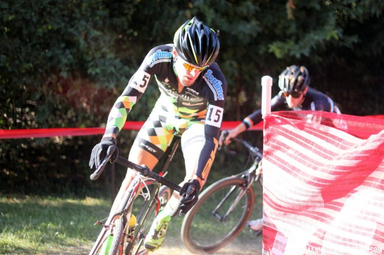 Winterburg and Dodge beat each other up at the front of the race, with Dodge using the sandpits to create separation. © Cyclocross Magazine