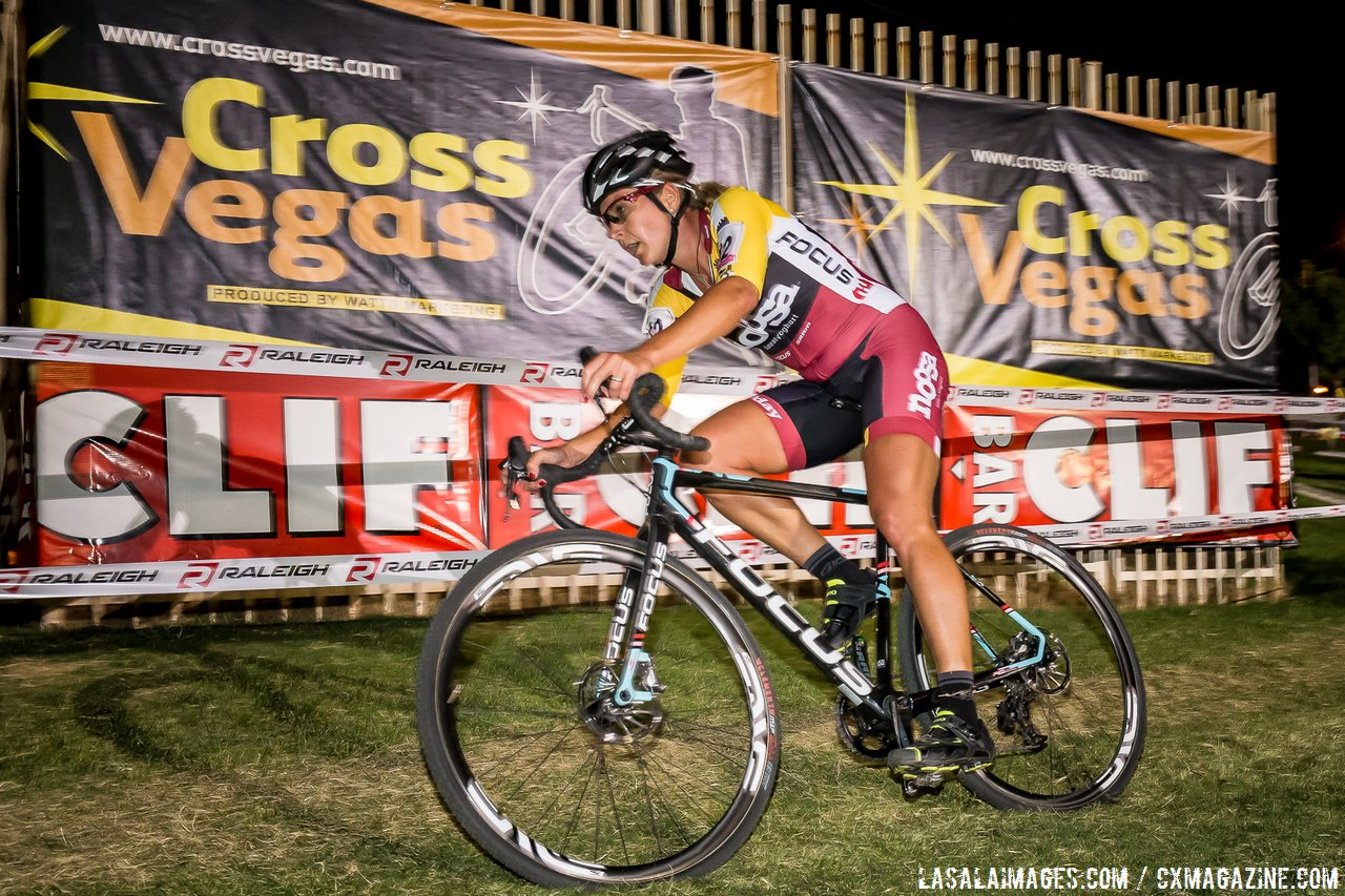meredith-miller-noosa-biding-her-time-before-unleashing-a-powerful-sprint-to-victory-lasalaimagescom