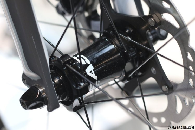 The Opus Stelle 1.0 comes with Easton all around, with the stem and handlebar as the Easton EA70 model. They are built with Shimano hydraulic brakes as well. © Cyclocross Magazine
