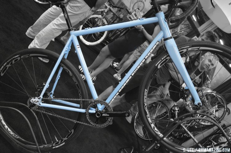 The Swobo Scofflaw says yes to gears, singlespeedng, fat tires and smaller budgets. © Cyclocross Magazine
