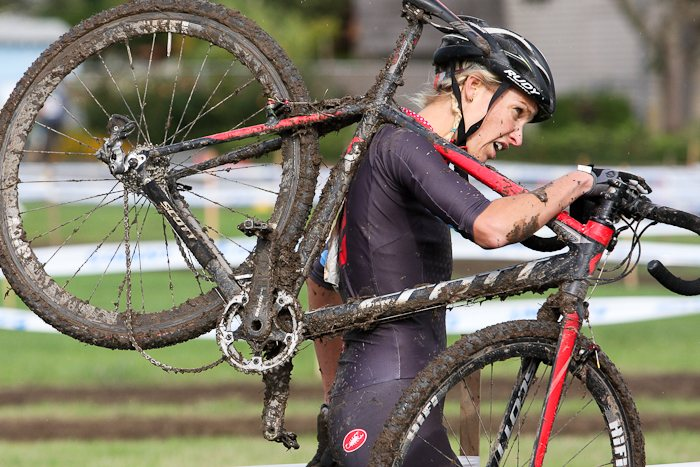 The thick mud was tough on drivetrains. © Pat Malach