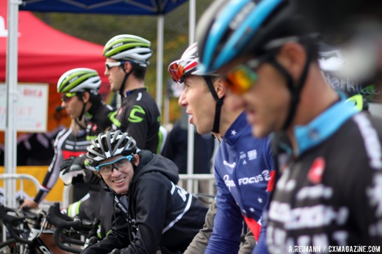 Jokes and stares: the men showed different start line posture at Full Moon Vista. © Andrew Reimann