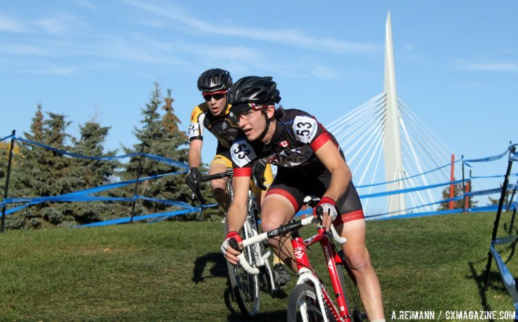 Danick Vandale and William Elliott fought a highly contested race in the U23 men. © Andrew Reimann