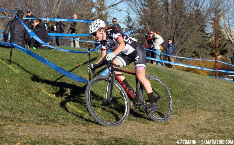 Walter had a great ride for her first Canadian Cyclocross Nationals podium as she took third. © Andrew Reimann