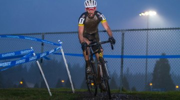 Geoff Kabush tackles the 2013 Canadian Cyclocross Championship men's elite race. © Doug Brons