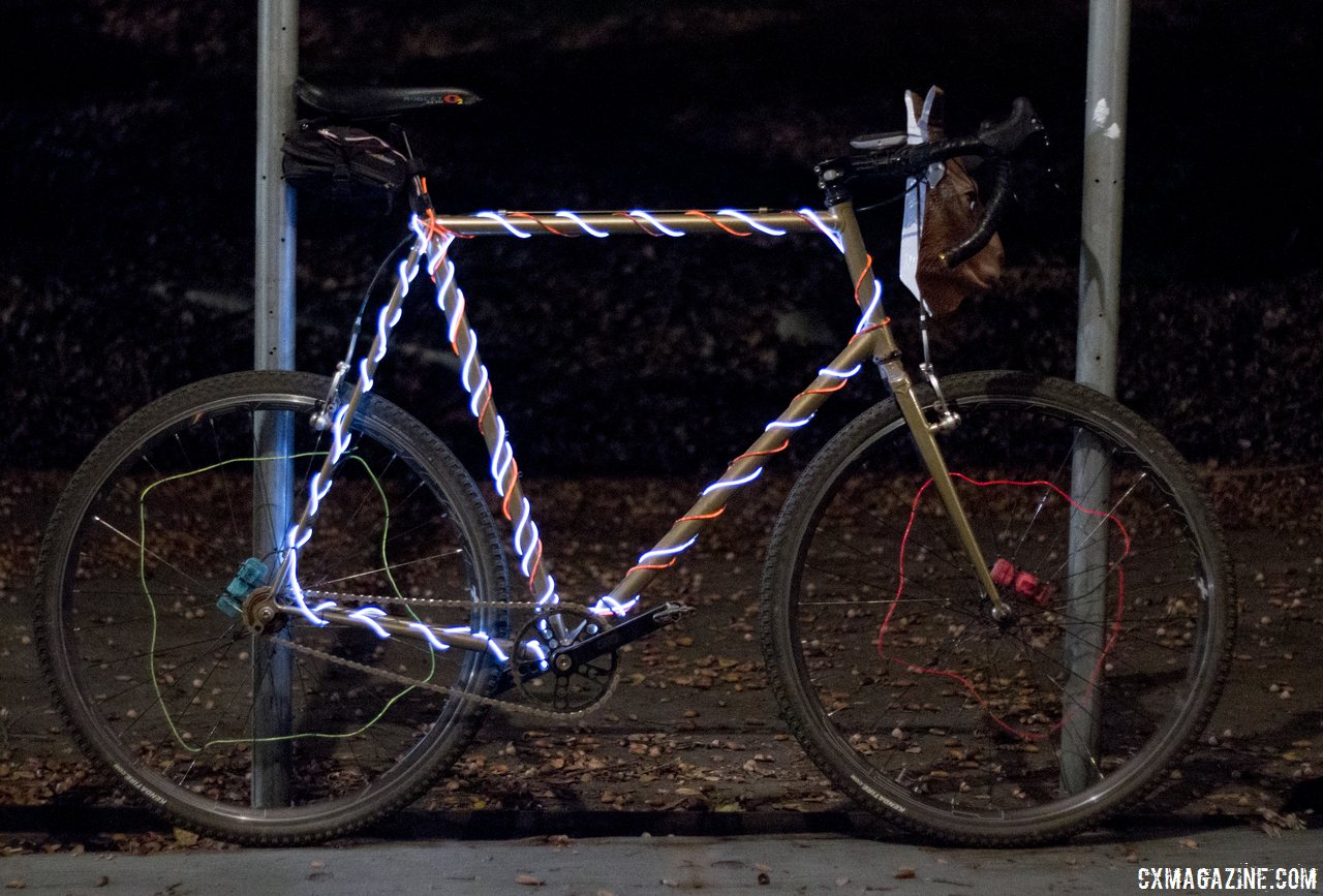 even-bikes-got-into-the-spirit-and-helped-light-up-the-course-rodeo-cross-2014-cyclocross-magazine
