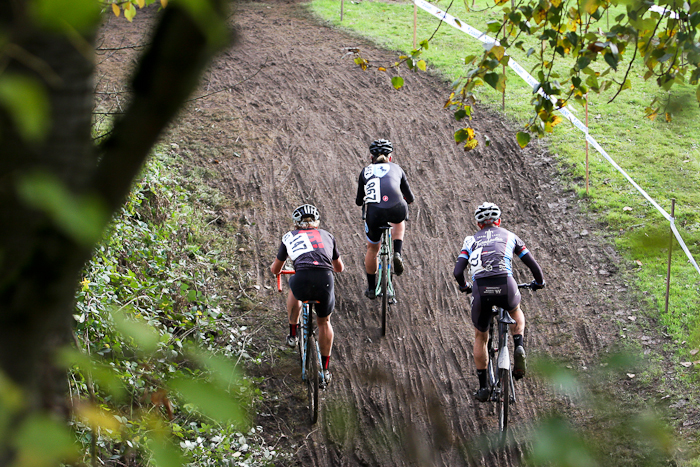 A trio of riders climbs on the undulating section of the course. © Pat Malach