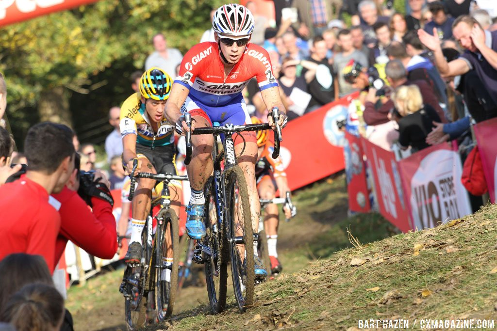 lars-van-de-haar-leads-tom-meeusen-up-yet-another-off-camber-climb-bart-hazen-cyclocross-magazine