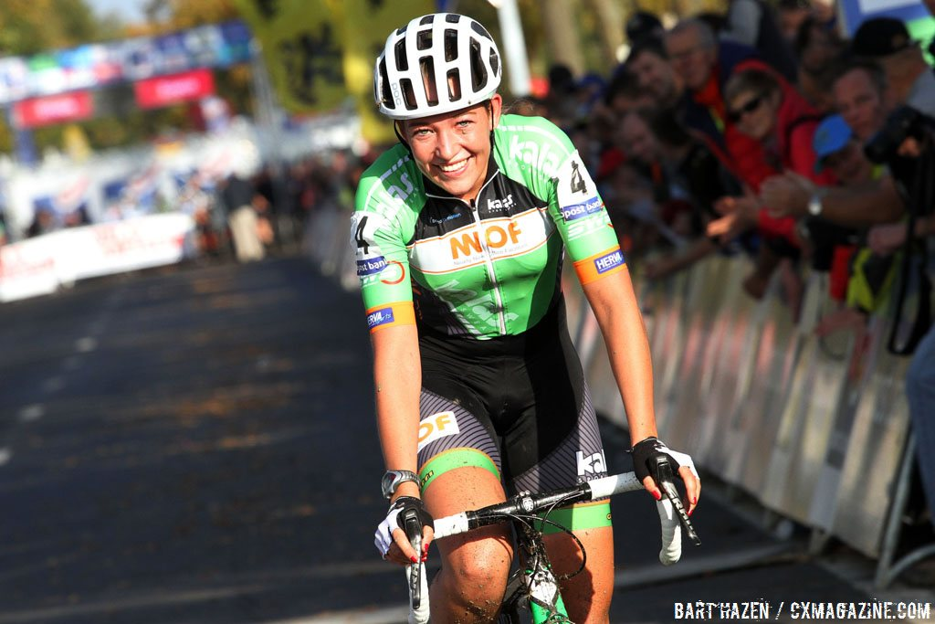 sophie-de-boer-is-all-smiles-after-winning-the-2014-koppenbergcross-bart-hazen-cyclocross-magazine