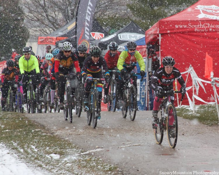 Kaitlyn Bowden (Sugar Grove, IL) leads the women's Cat 4 field into the snowstorm.