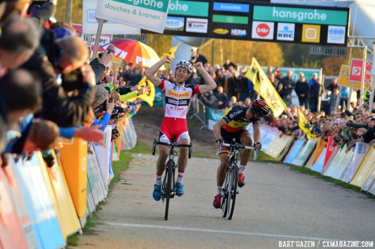 Kevin Pauwels takes his first season victory in Zonhoven Sven Nys and Lars van der Haar. © Bart Hazen