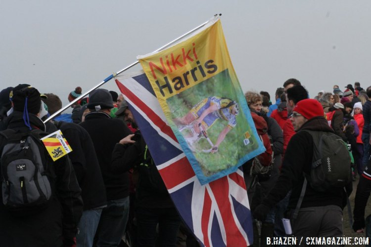 Plenty of cyclocross fans braved the weather to see Great Britain's first World Cup event. © Bart Hazen.